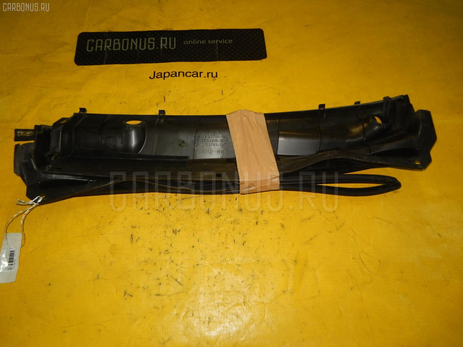 Решетка под лобовое стекло TOYOTA COROLLA RUNX NZE121. Фото 5