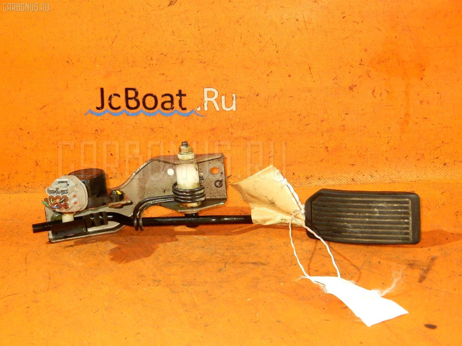 Педаль подачи топлива NISSAN AD VAN VFY11 QG15DE. Фото 5