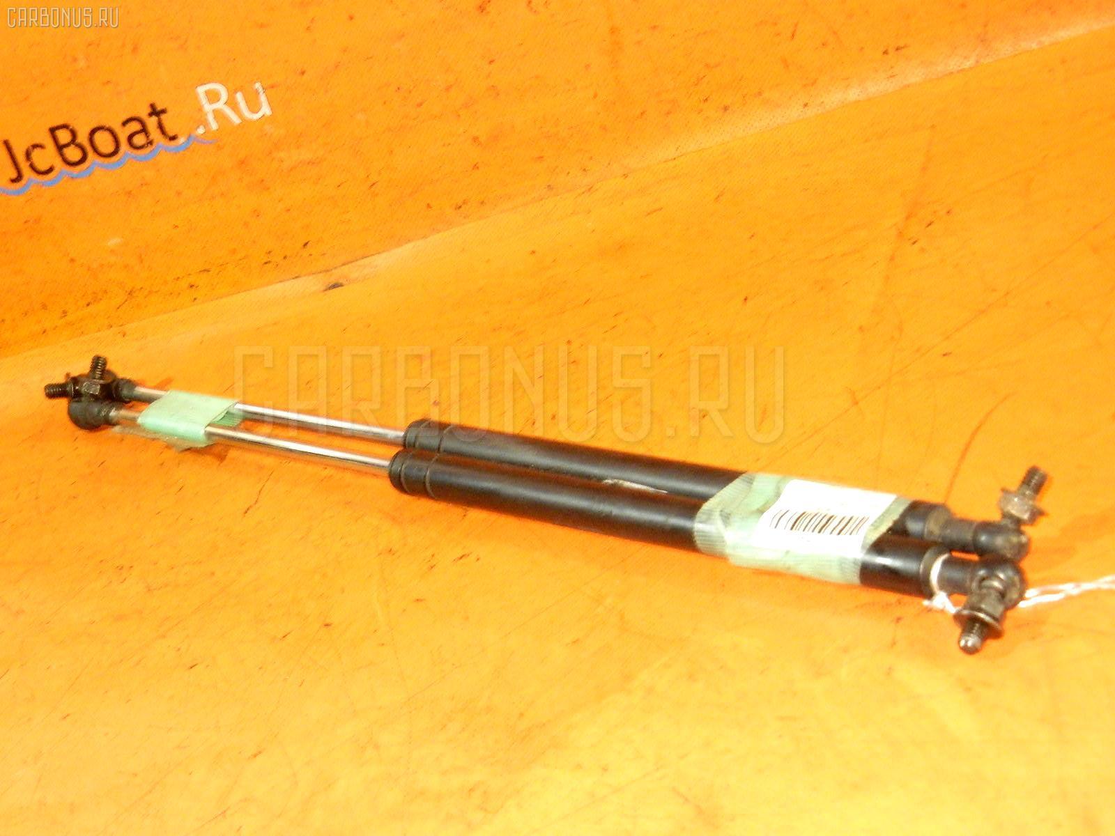 Амортизатор капота TOYOTA CRESTA GX90. Фото 8