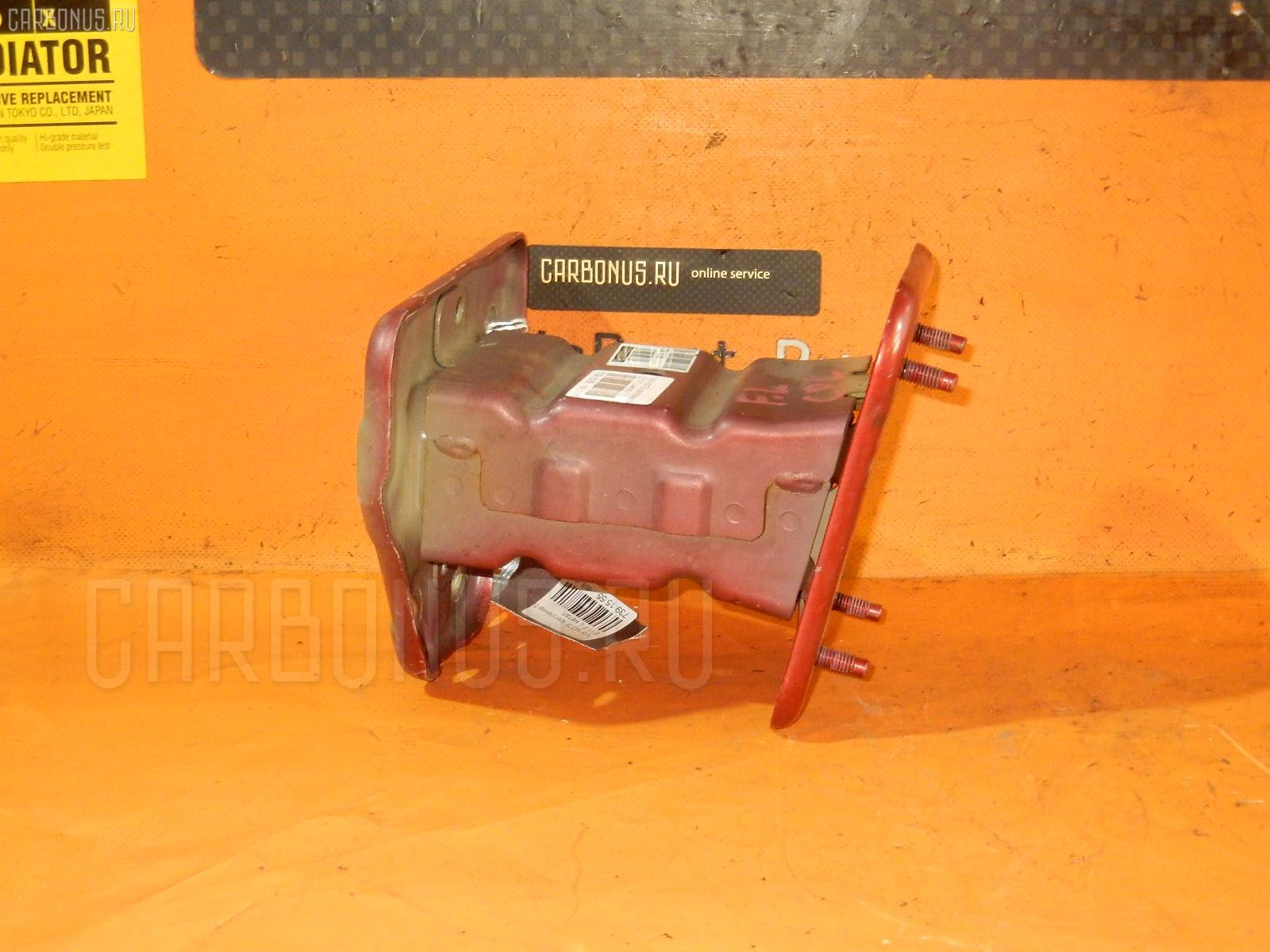 Крепление бампера Nissan Note E11 Фото 1