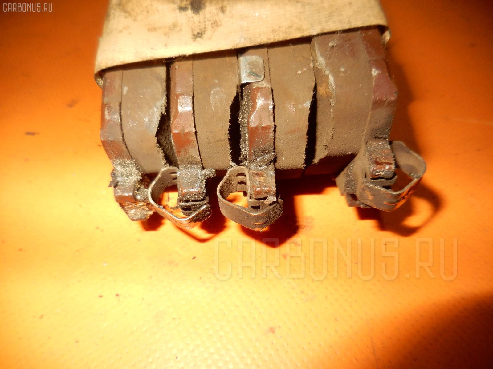 Тормозные колодки TOYOTA RACTIS SCP100 2SZ-FE. Фото 3