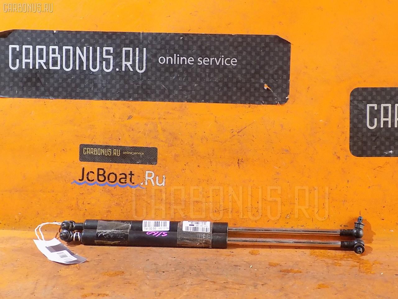 Амортизатор капота TOYOTA ARISTO JZS160. Фото 3