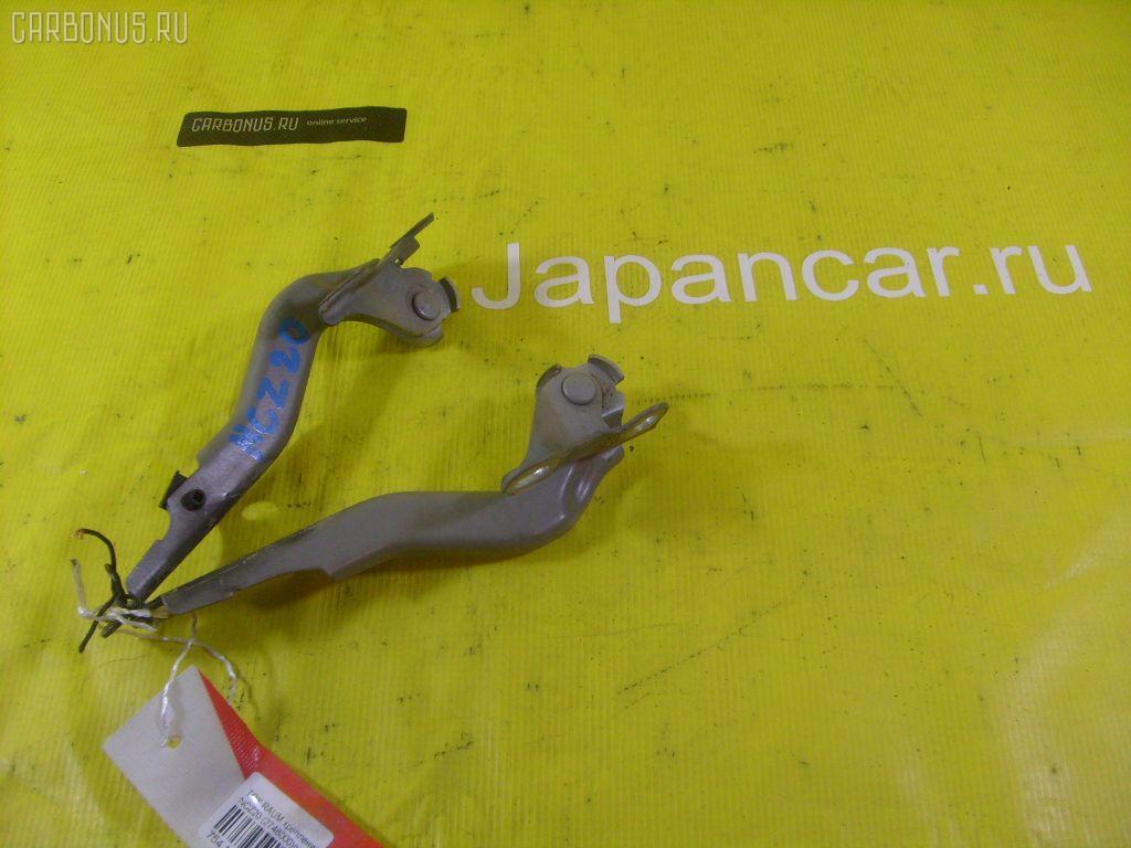 Крепление капота Toyota Raum NCZ20 Фото 1