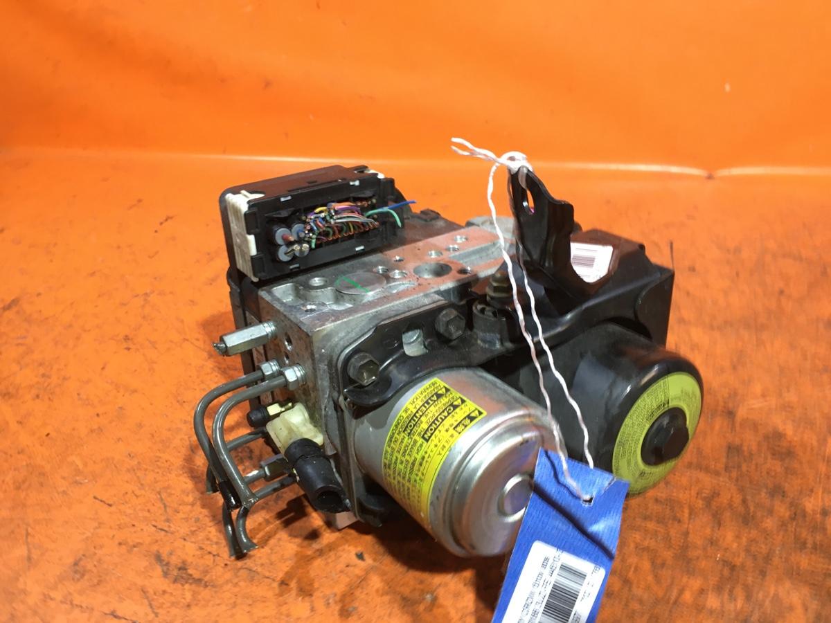 Блок ABS на Toyota Crown Majesta UZS186 3UZ-FE Фото 1
