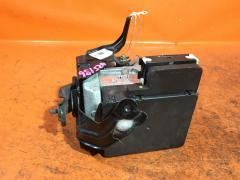 Блок ABS на Toyota Crown Majesta UZS186 3UZ-FE Фото 2