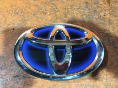 Эмблема на Toyota Prius ZVW30 2ZR-FXE, Переднее расположение