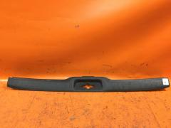 Обшивка багажника на Nissan Serena C25, Заднее расположение