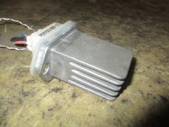 Регулятор скорости мотора отопителя на Nissan Primera HP11 SR20DE