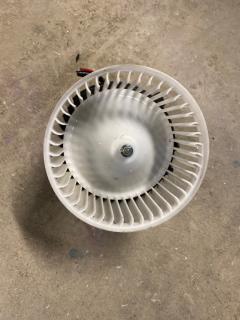 Мотор печки на Nissan Serena C25 Фото 4