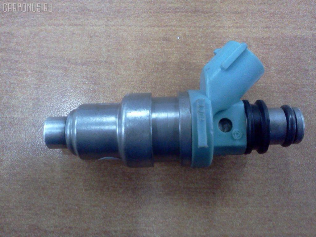 Форсунка инжекторная TOYOTA CAMRY SV30 4S-FE Фото 1