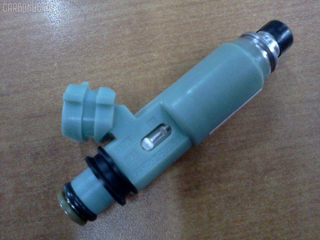 Форсунка инжекторная TOYOTA CAMRY SXV20L 5S-FE. Фото 5