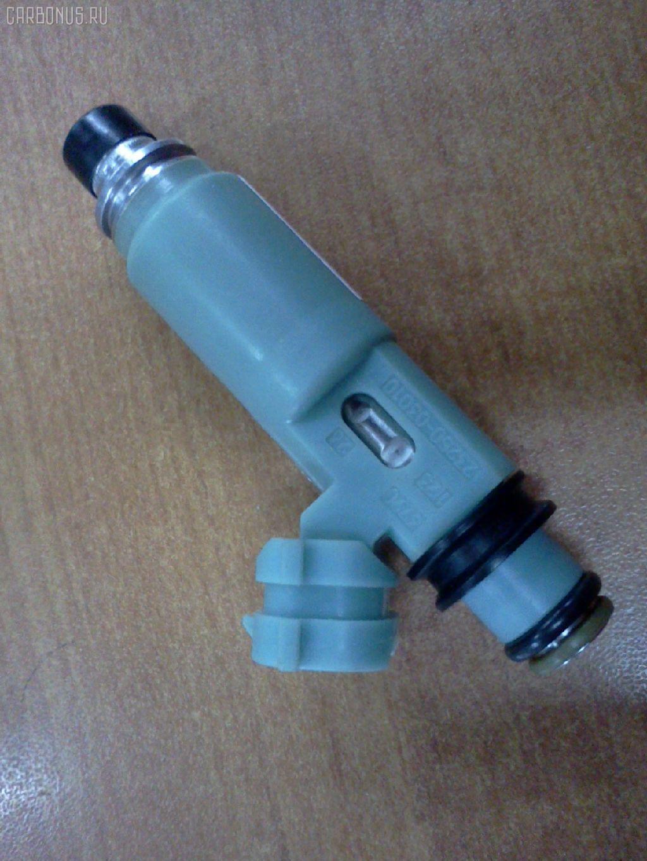 Форсунка инжекторная TOYOTA CAMRY SXV20L 5S-FE. Фото 6