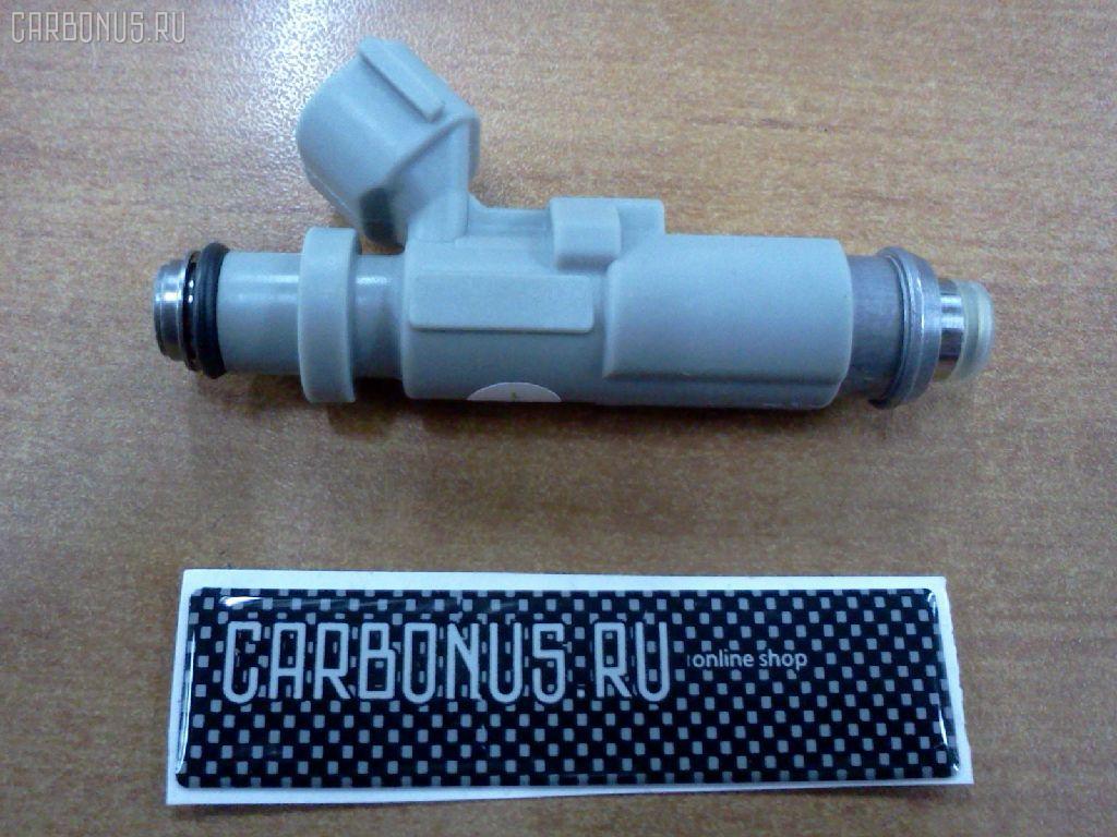 Форсунка инжекторная TOYOTA MARK II JZX110 1JZ-GTE. Фото 7