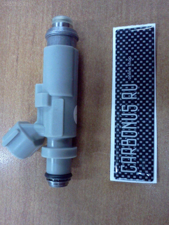 Форсунка инжекторная TOYOTA MARK II JZX110 1JZ-GTE. Фото 8