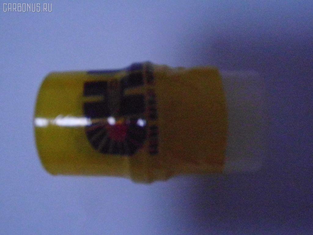 Распылитель форсунки TOYOTA HIACE LH100 2L. Фото 3