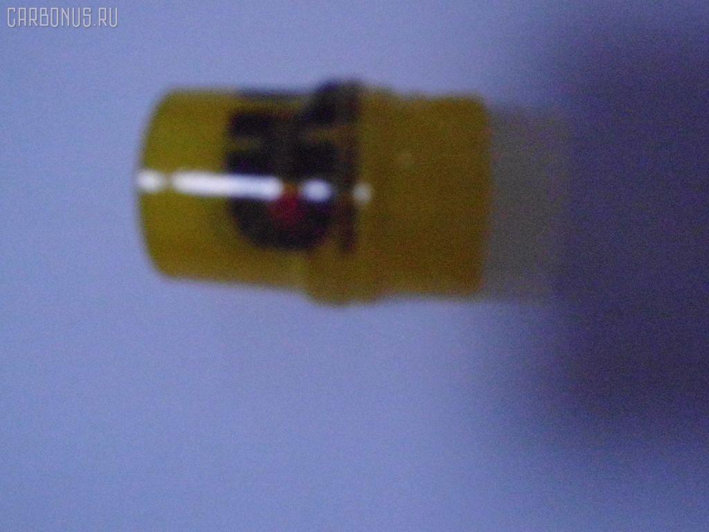 Распылитель форсунки TOYOTA HIACE LH100 2L. Фото 5