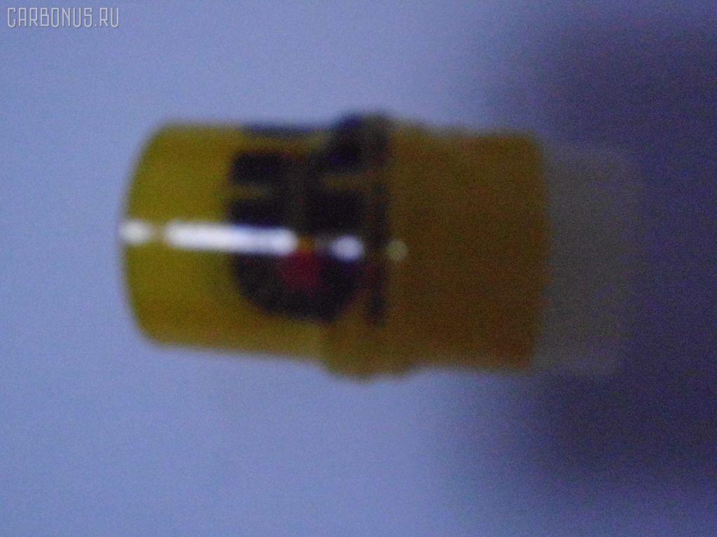 Распылитель форсунки TOYOTA HIACE LH100 2L. Фото 8