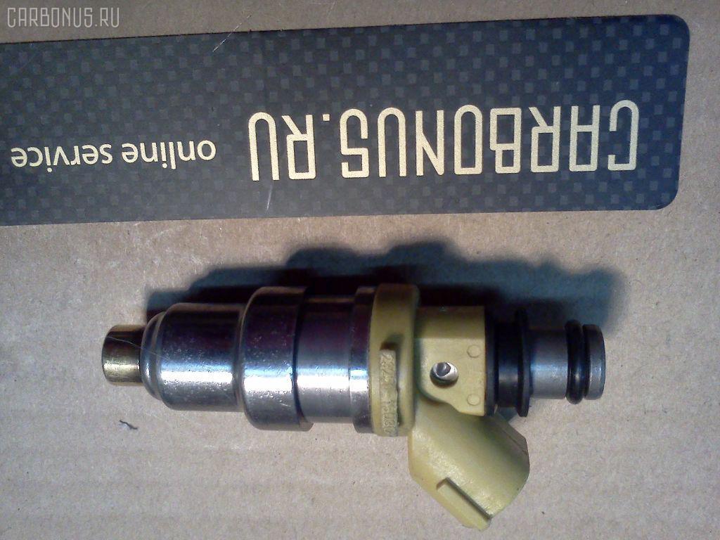 Форсунка инжекторная TOYOTA COROLLA AE100 5A-FE. Фото 3