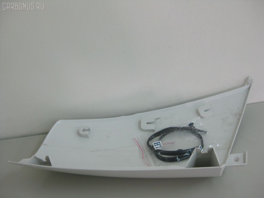 Панель угловая (щека) ISUZU ELF NKR81. Фото 1
