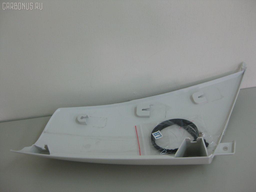 Панель угловая (щека) ISUZU ELF NKR81. Фото 3