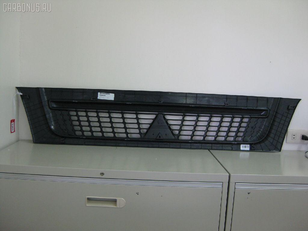 Решетка радиатора MITSUBISHI CANTER FE82E. Фото 2