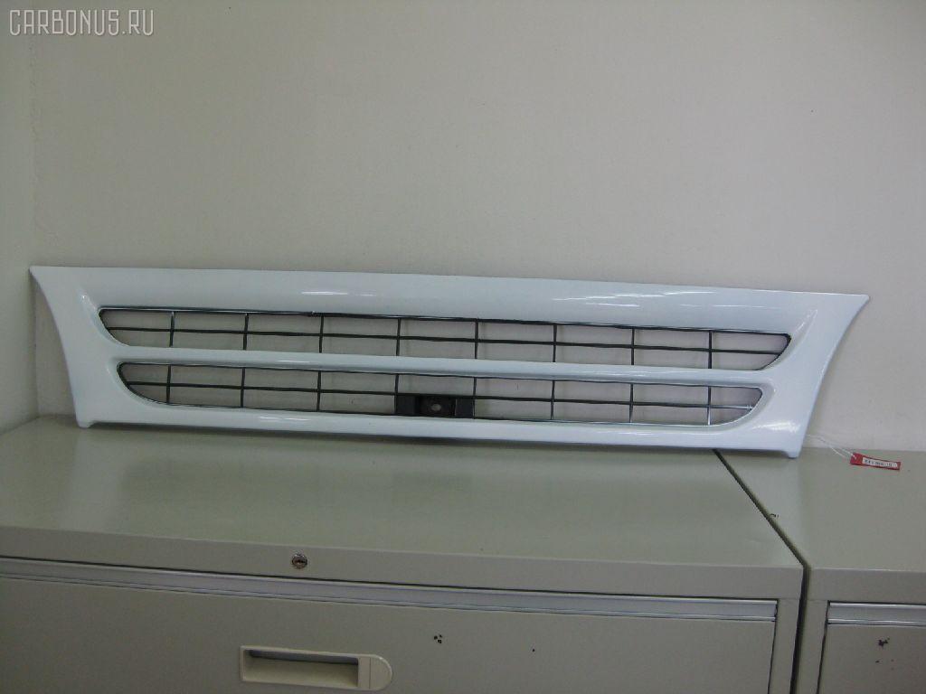 Решетка радиатора ISUZU ELF NPR71. Фото 1