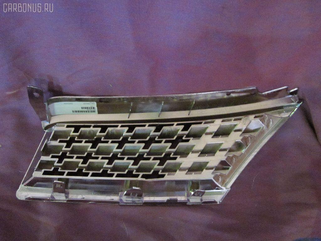 Решетка радиатора NISSAN TIIDA C11. Фото 3