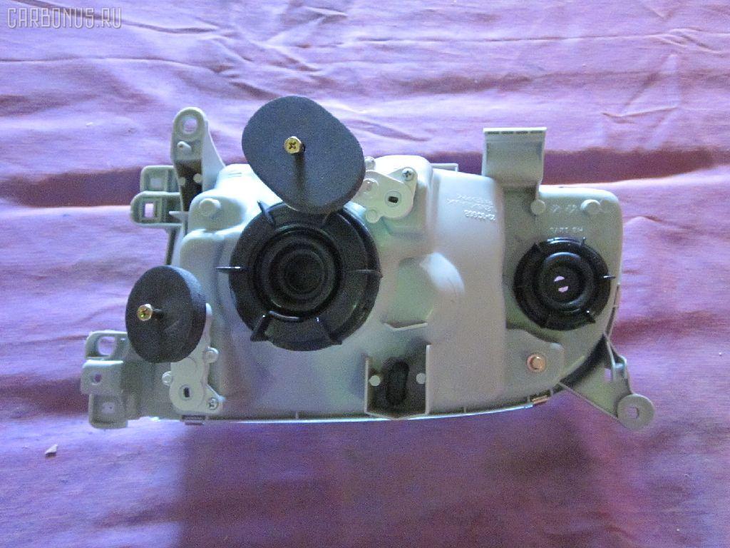 Фара Toyota Hiace LH119 Фото 1