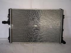 Радиатор ДВС на Audi A3 8P1 BMM VAG TD-036-8712