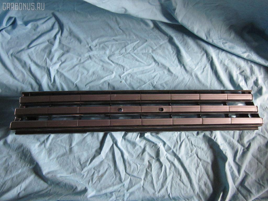 Решетка радиатора TOYOTA SPRINTER AE91 Фото 1