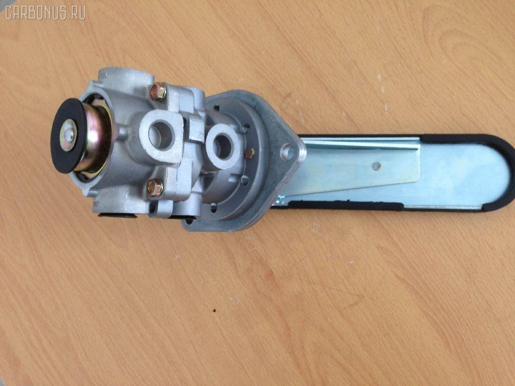 Клапан тормозной ISUZU GIGA CXG. Фото 1