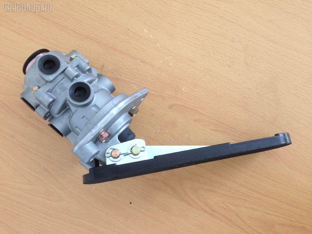 Клапан тормозной ISUZU GIGA CXG. Фото 3