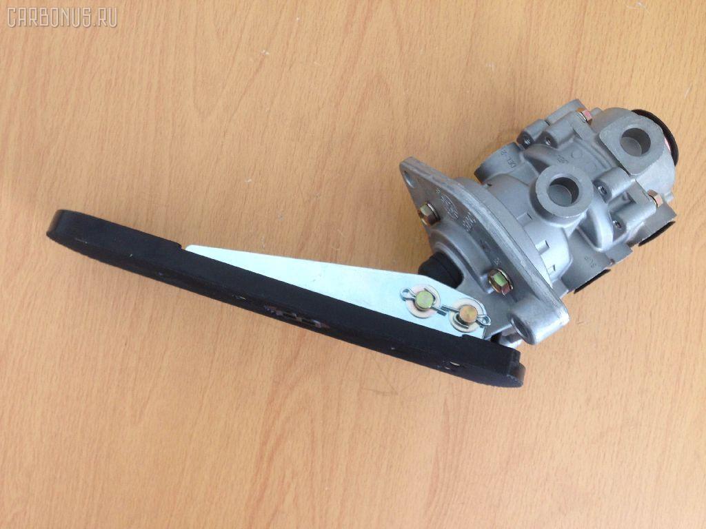 Клапан тормозной ISUZU GIGA CXG. Фото 5