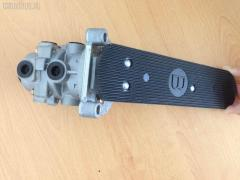 Клапан тормозной Isuzu Giga CXG Фото 3
