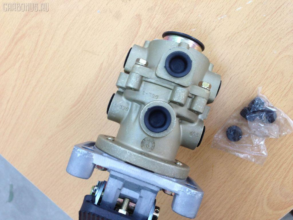 Клапан тормозной ISUZU GIGA CXZ. Фото 2