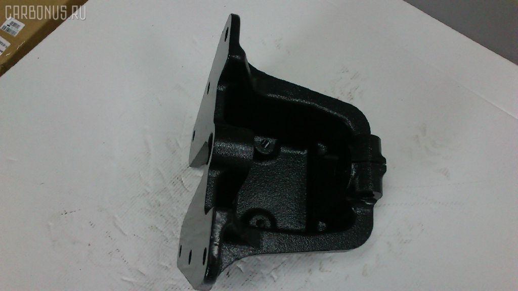 Крепление рессоры ISUZU GIGA CYH50 6WA1 Фото 3