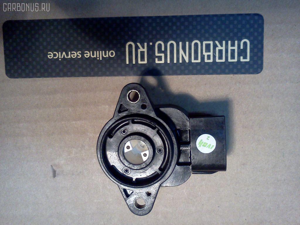 Датчик дроссельной заслонки TOYOTA IPSUM SXM15G 3S-FE Фото 2