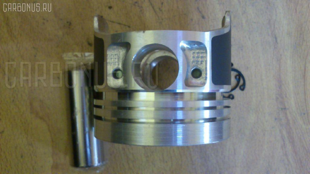 Поршень KUBOTA AR30 V1505 Фото 4