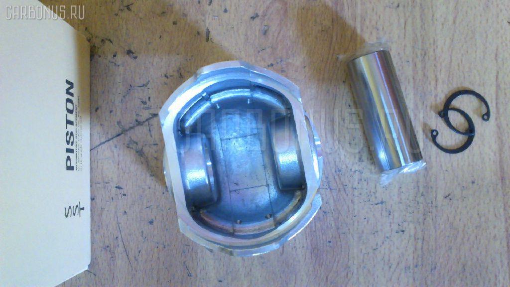Поршень KUBOTA D1503 D1503. Фото 2