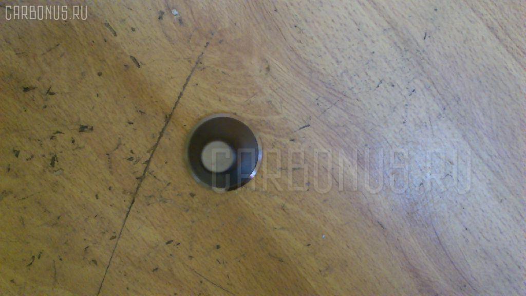Клапан выпускной KOMATSU D65E 6D125 Фото 4