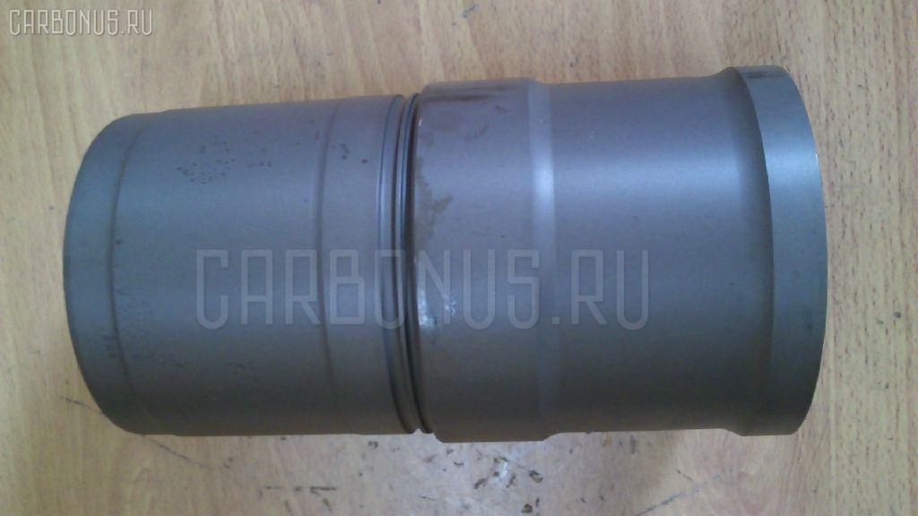 Гильза блока цилиндров KOMATSU PC300-7AA SAA6D114E-2 Фото 2