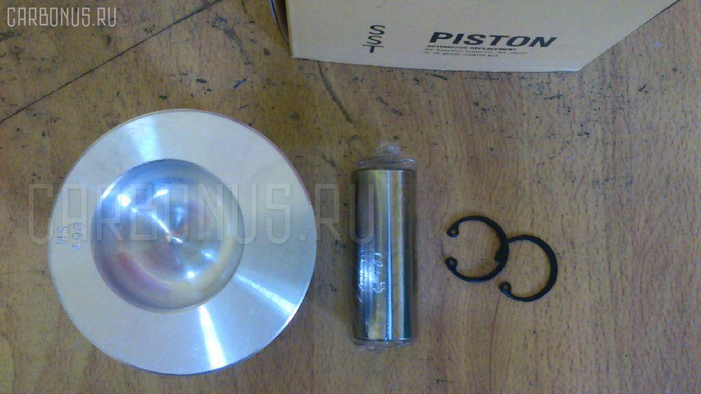 Поршень KOMATSU PC15-1 3D78 Фото 3