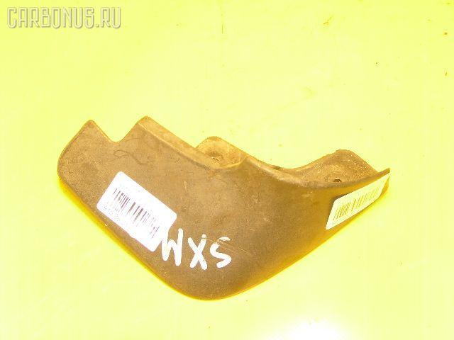 Брызговик TOYOTA IPSUM SXM10G. Фото 10