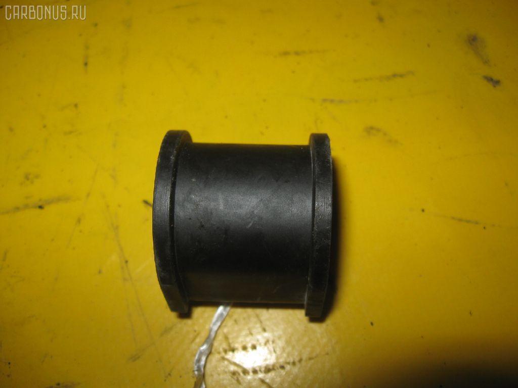 Втулка стабилизатора TOYOTA AE100. Фото 10