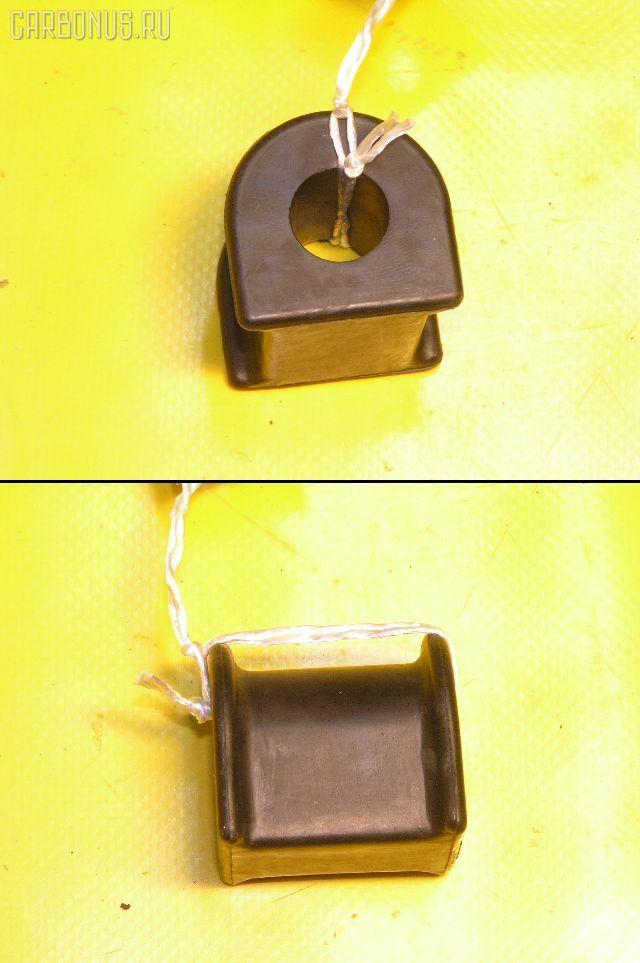 Втулка стабилизатора TOYOTA CAMRY GRACIA SXV20. Фото 9