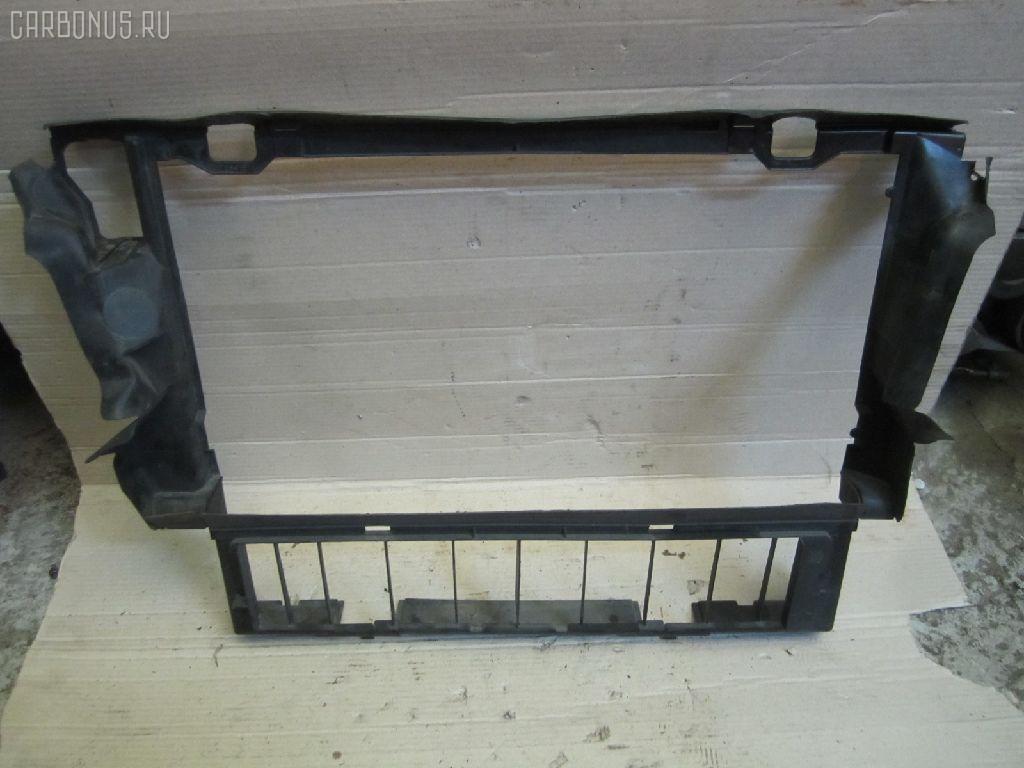 Диффузор радиатора MERCEDES-BENZ E-CLASS W210.055 104.995. Фото 1