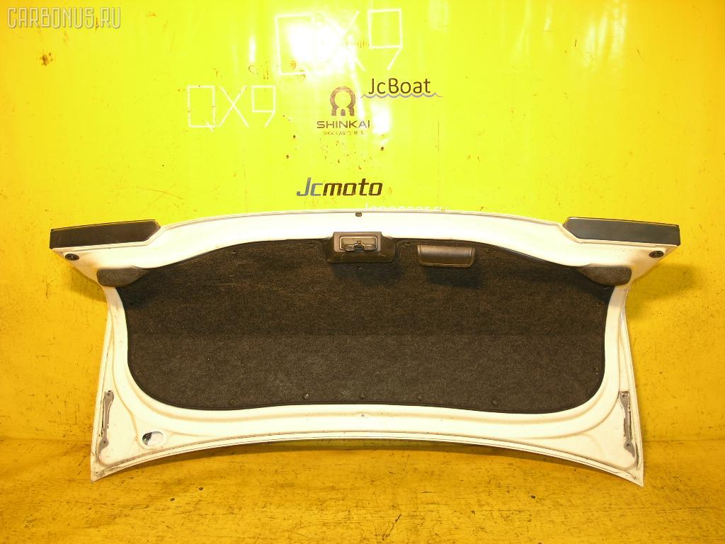 Крышка багажника TOYOTA BREVIS JCG10. Фото 4