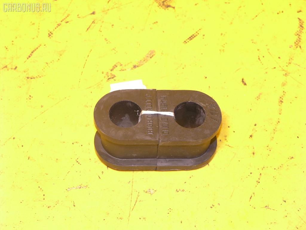 Втулка стабилизатора NISSAN CARAVAN E24. Фото 5