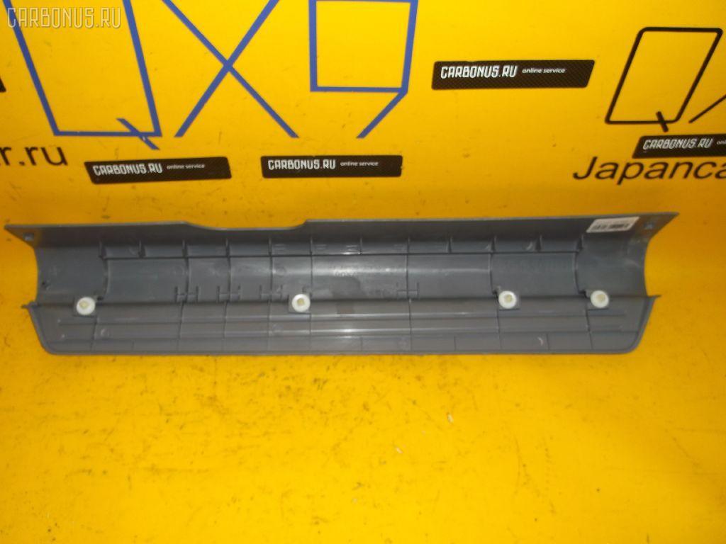 Накладка на порог салона MITSUBISHI AIRTREK CU2W. Фото 4