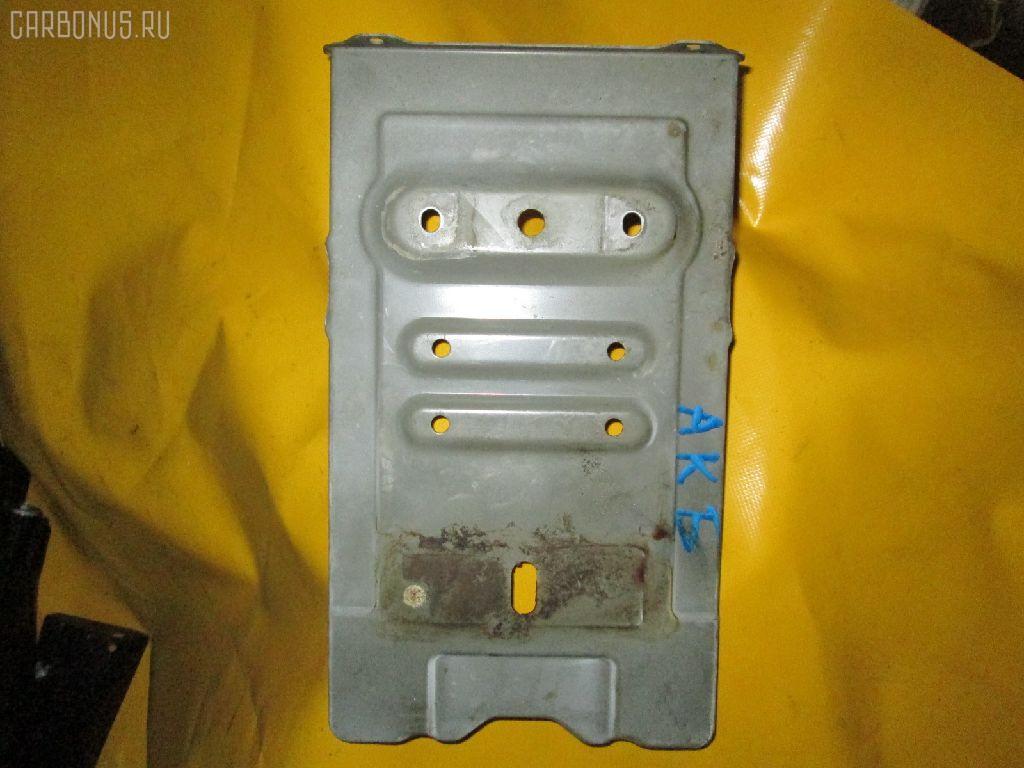 Подставка под аккумулятор SUZUKI ESCUDO TL52W. Фото 1